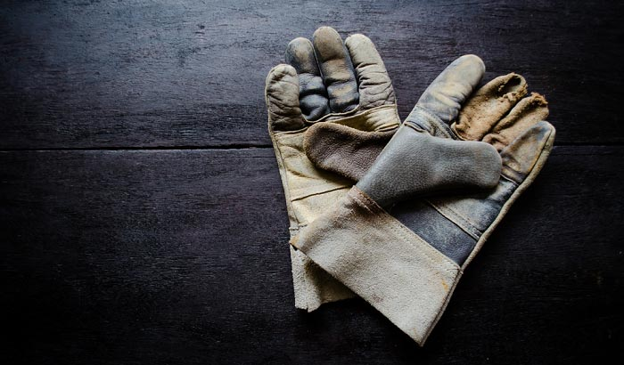washing-leather-work-gloves