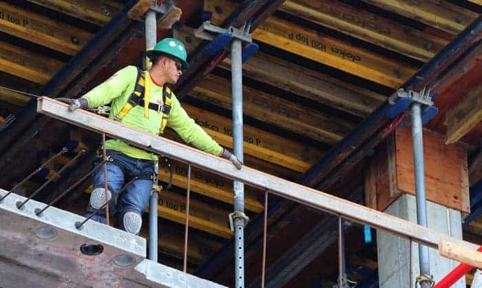 best-safety-harness-for-construction