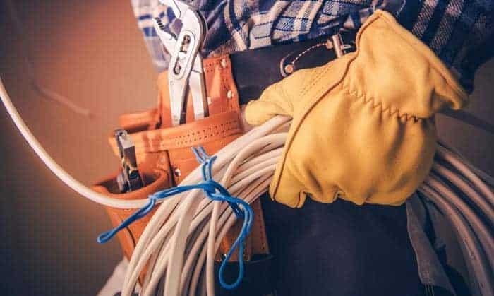 dewalt-electricians-tool-belts