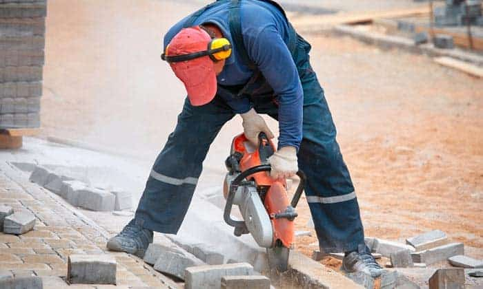 ear-muffs-for-construction-workers