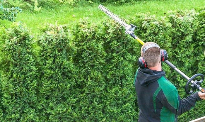 best-headphones-for-lawn-mowing