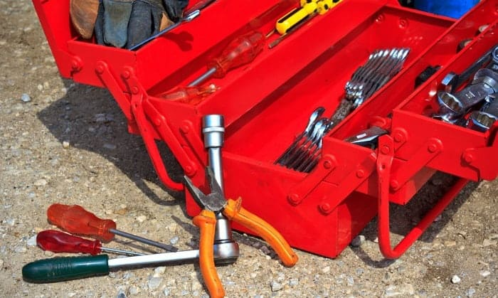 cantilever-steel-tool-box