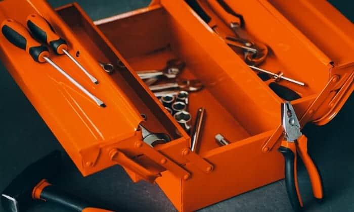 metal-cantilever-tool-box