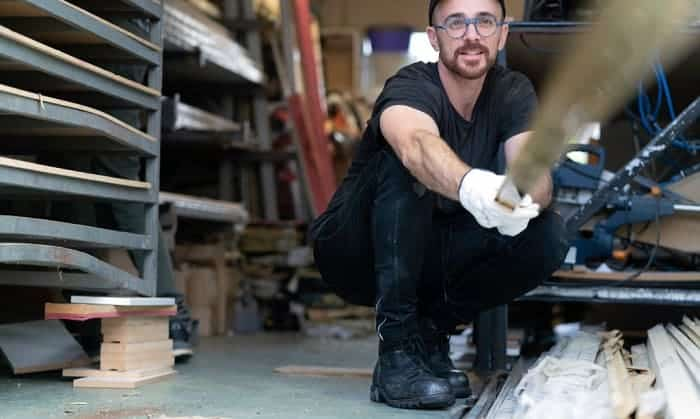 best-shoes-for-factory-workers