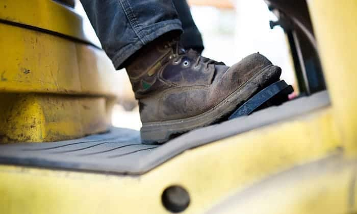 steel-toe-work-boots-for-standing-on-concrete-all-day
