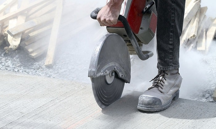 are steel toe boots bad for your feet