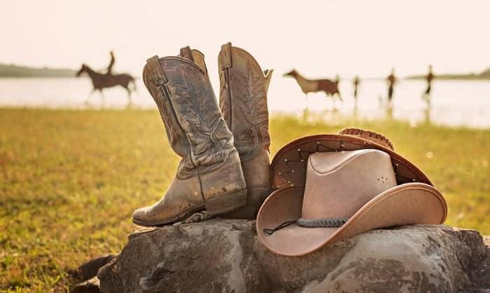 cowboy-boots-heel-slip