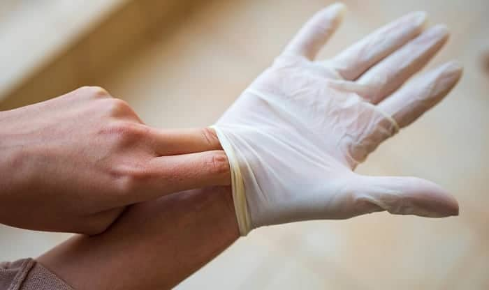how to properly remove gloves