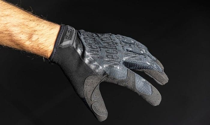 washing-mechanix-gloves