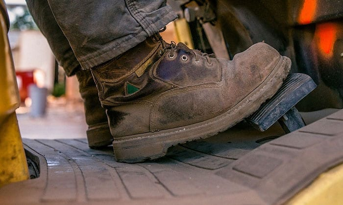make-steel-toe-boot-comfortable