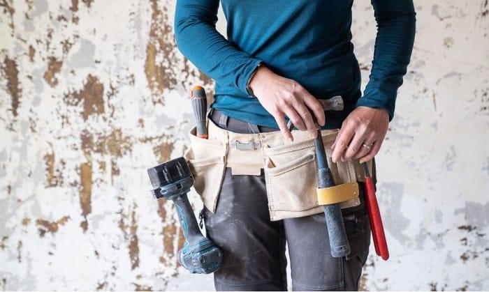 wearing-a-tool-belt